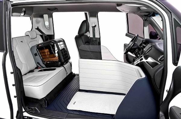 현대차그룹이 선보인 엠 바이브 전용 기아 레이EV의 실내 모습